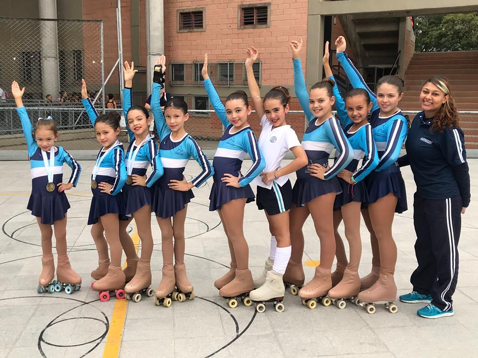Destacada participación en el segundo festival de patinaje artístico